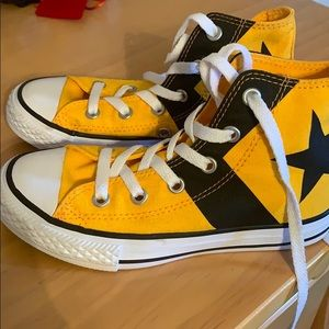 Boys Yellow and black high top converse